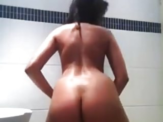 Horny Indian Teen Masturbating in the Shower